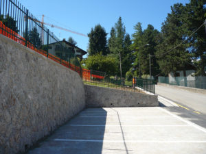 Barriere, cancelli, inferriate, cabine e varie opere fabbro