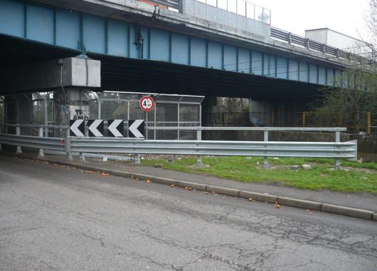 Lavori stradali, barriere, gard-rail, protezioni e ponti
